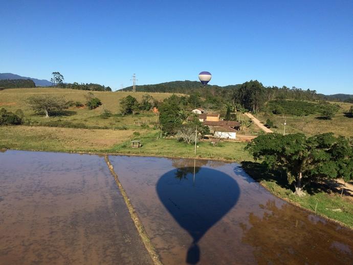 Balões ajudam a compor pelas paisagens na região (Foto: Lívia Andrade/RBS TV)