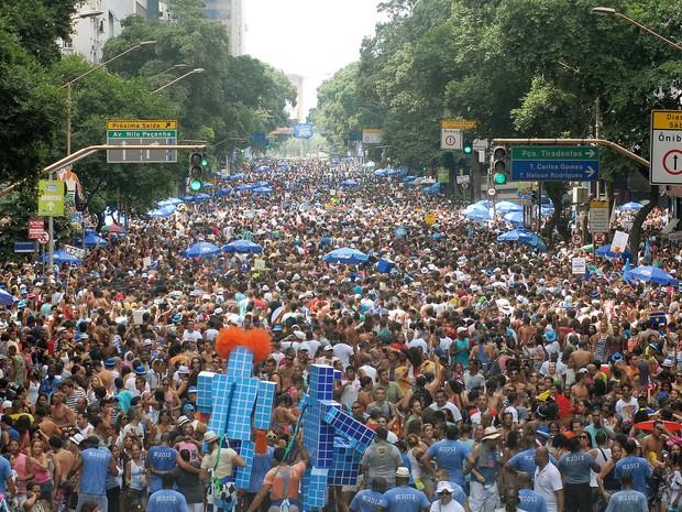 Monobloco arrasta uma multidão para o centro do Rio de Janeiro e encerra o carnaval na cidade. (Foto: Alexandre Durão/G1)