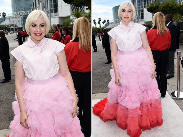 Lena Dunham chega ao Emmy Awards e posa para fotos (Foto: Getty Images)