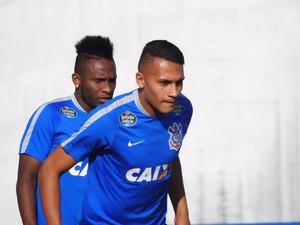 Léo Jabá Corinthians (Foto: Marcelo Braga)