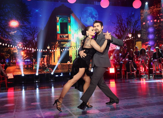 Vivi Araújo e Marcelo Grangeiro arrasaram no tango (Foto: Carol Caminha/Gshow)