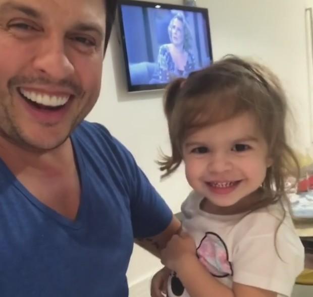 Wellington Muniz com a filha (Foto: Reprodução/Instagram)