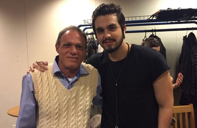 Seu Eurides, pai de Wagner, emocinou o Brasil durante o The Voice Kids. Será que ele ficou emocinado ao lado do Luan Santana? (Foto: Arquivo pessoal)