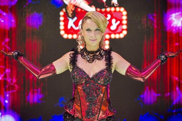 Lady Kate abre seu Kate's Kabaret neste sábado e você vê no Zorra Total (Foto: Raphael Dias/Globo)
