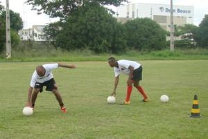 Joniel e Fabinho, Flamengo-PI (Foto: Abdias Bideh/GloboEsporte.com)