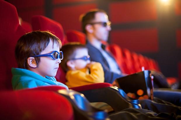 Criança no cinema (Foto: Thinkstock)