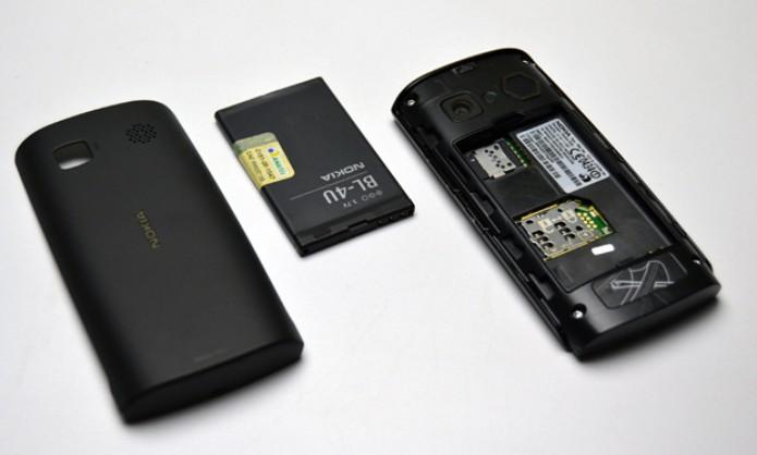 Nokia 500 desmontado (Foto: Stella Dauer)