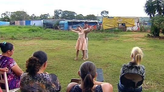 Talento no balé leva jovem de assentamento rural para o Canadá