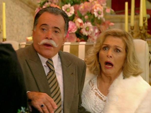 Charlô e Otávio se assustam ao ver Dominguinhos e sua mulher Maria (Foto: Guerra dos Sexos/TVGlobo)