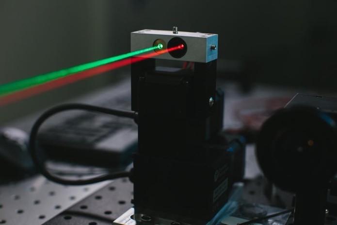 Facebook vai usar lasers para transmitir sinal de internet em locais pobres (Foto: Divulgação) (Foto: Facebook vai usar lasers para transmitir sinal de internet em locais pobres (Foto: Divulgação))