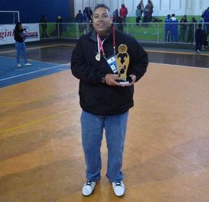 Júlio Malfi técnico basquete de poá (Foto: Dibulgação/Facebook)