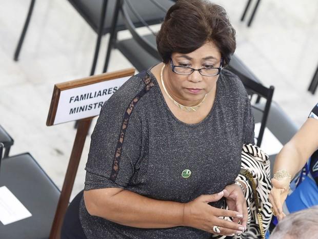 Dificilmente vista em público desde que deixou seu cargo no governo, a ex-ministra da Casa Civil Erenice Guerra participa da cerimônia de posse da Presidenta Dilma Rousseff, no Palácio do Planalto (Foto: André Dusek/Estadão Conteúdo)