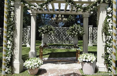 À luz do dia! Veja todos os detalhes da decoração do casamento de Bento e Amora
