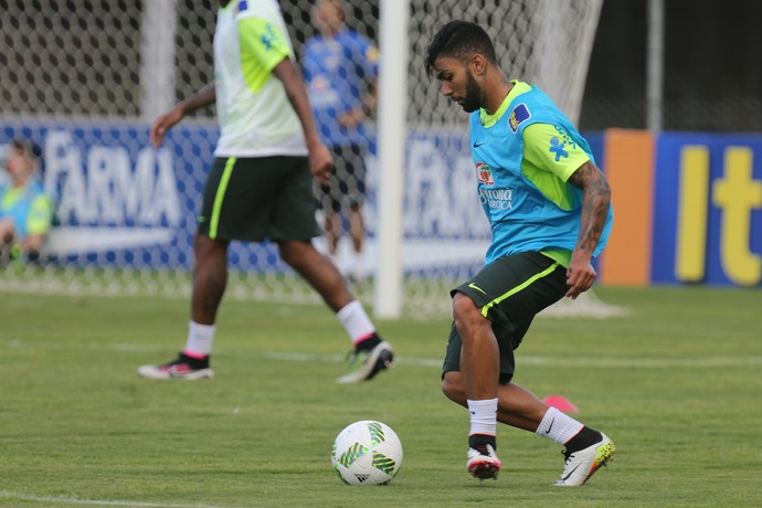 Atacante Gabriel em treino da seleção brasileira (Foto: Lucas Figueiredo / MoWA Press)