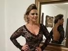 Viviane Araújo usa vestido com transparência ousada