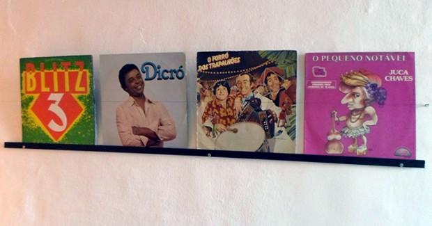 Mostra Arte na Capa - Música com Humor fica exposta no MIS de Resende em abril de 2015 (Foto: Divulgação/Prefeitura Resende)