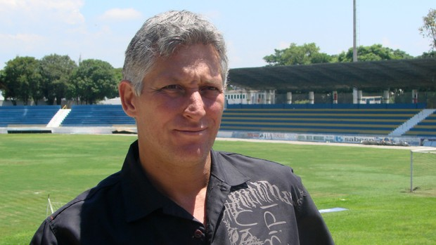 O técnico Márcio Bittencourt, do São José Esporte Clube (Foto: Danilo Sardinha/Globoesporte.com)