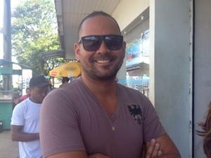 Glauber Oliveira diz que largaria o emprego se ganhasse o prêmio (Foto: Jéssica Alves/G1)