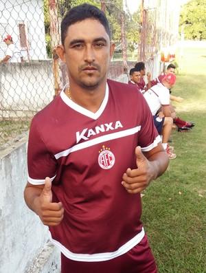 Lúcio Curió atacante do América-RN (Foto: Jocaff Souza/GloboEsporte.com)