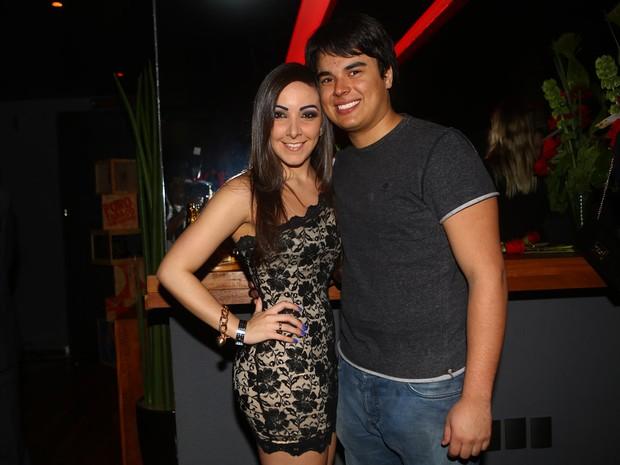 Igor, filho de Zezé Di Camargo, com a namorada em festa em São Paulo (Foto: Iwi Onodera/ EGO)