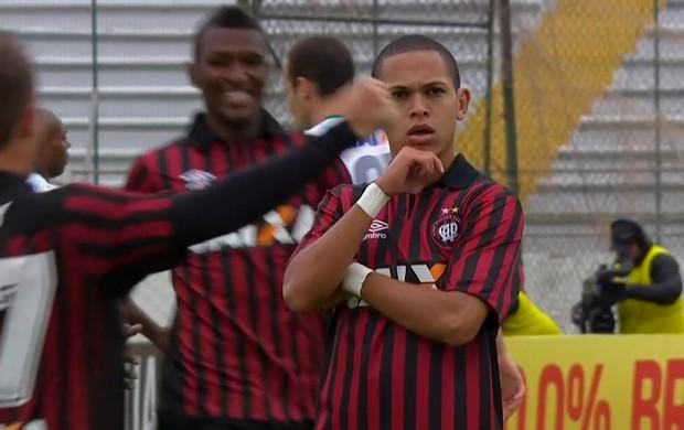 Marcos Guilherme, meia do Atlético-PR (Foto: Reprodução/Premiere FC)