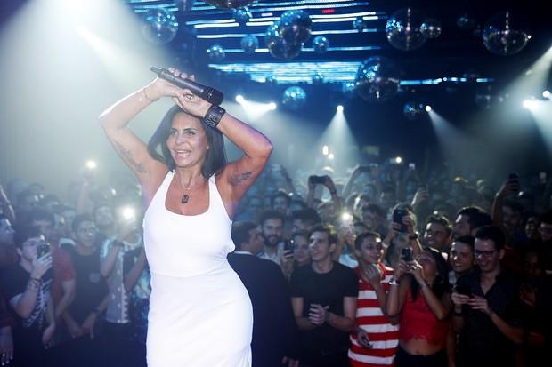 Gretchen se apresenta em boate na Zona Portuária do Rio (Foto: Marcos Serra Lima/ EGO)