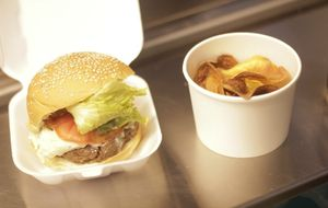 Hambúrguer vegetariano de feijão preto com shimeji