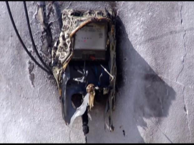 Sistema elétrico teve princípio de incêndio (Foto: Andre Dias/Inter TV)