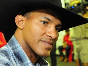 Valdiron de Oliveira Santos, peão na disputa do Rodeio de Jaguariúna (Foto: Raul Pereira/G1)
