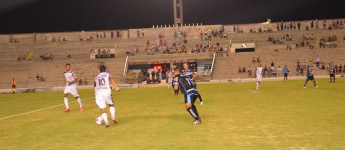 Santa Cruz-PB 1 x 3 CSP, no Estádio Almeidão, pelo Campeonato Paraibano 2014 (Foto: Hévilla Wanderley)