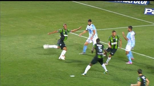 """Mancini valoriza vitória e mantém confiança no acesso: """"Merecemos"""""""