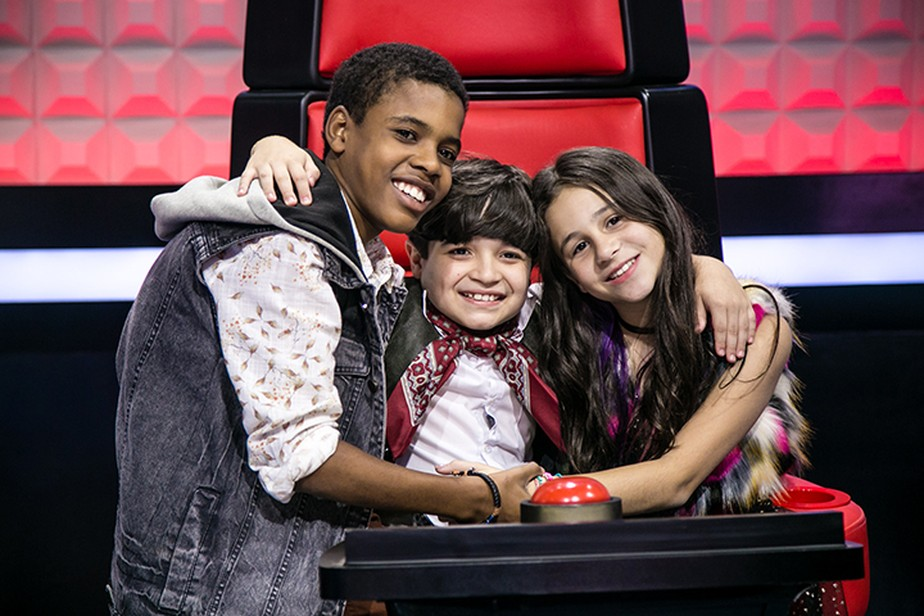 Finalistas do 'The Voice Kids' soltam a voz para pedir votos do público