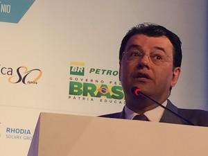 Ministro de Minas e Energia, Eduardo Braga, nesta sexta-feira (11) (Foto: Darlan Alvarenga/G1)