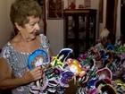 Aposentada faz 70 bonecas de pano e doa para crianças carentes no ES