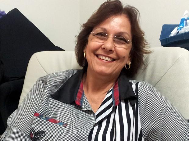 Mãe de Renato, a aposentada Maria Beatriz Cordeiro Mecca passará o Dia das Mães ao lado do filho (Foto: Rodolfo Tiengo/G1)