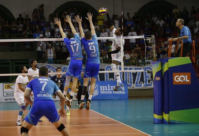 Cruzeiro venceu os seis jogos que disputou na fase de classificação do Mineiro de Vôlei (Foto: Orlando Bento)