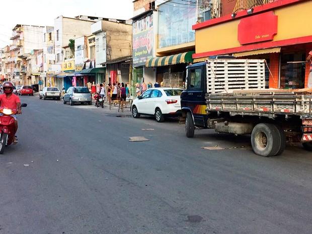 Rua onde mãe e filha foram atropeladas por viatura da PM so subúrbio de Salvador (Foto: Ramon Ferraz/TV Bahia)