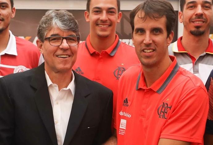 Marcelinho representou o Flamengo na festa (Foto: Luiz Pires/Fotojump/LNB)