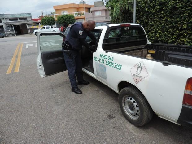 Treze botijões de gás foram recuperado em Sorocaba (Foto: Guarda Civil Municipal/Divulgação)