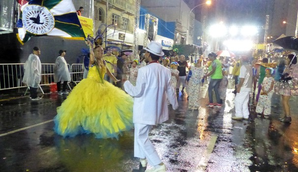 Desfile Escolas de Samba de Curitiba (Foto: Divulgação/ RPC)