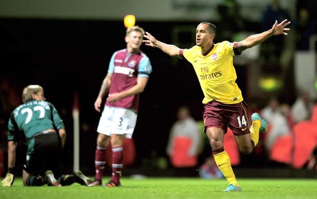 Comemoração Theo, West Ham e Arsenal (Foto: Getty Images)