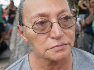 A aposentada Hilda Fernandes, de 73 anos, disse emocionada não acreditar no que aconteceu (Foto: Jorge Machado/G1)