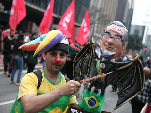 Manifestantes protestam contra o governo Temer neste domingo na Paulista (Foto: Fábio Tito/G1)