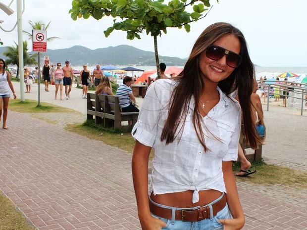 Jovem leiloou a virgindade em um site da internet (Foto: Géssica Valentini/G1)