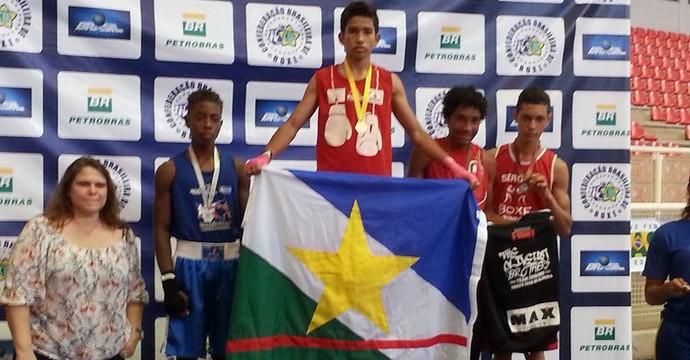 Ronald Silva sagra-se campeão brasileiro de boxe cadete na categoria Mosca Ligeiro (Foto: Arquivo Pessoal)
