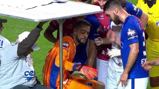 Goleiro do Paraná passa bem após choque com Fred; fratura é descartada