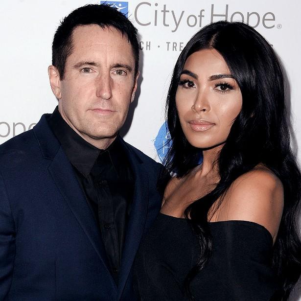 A cantora e compositora filipino-americana Mariqueen Maandig se casou com Trent Reznor, líder do Nine Inch Nails, em outubro de 2009 e teve o primeiro dos dois filhos com ele no ano seguinte. (Foto: Getty Images)