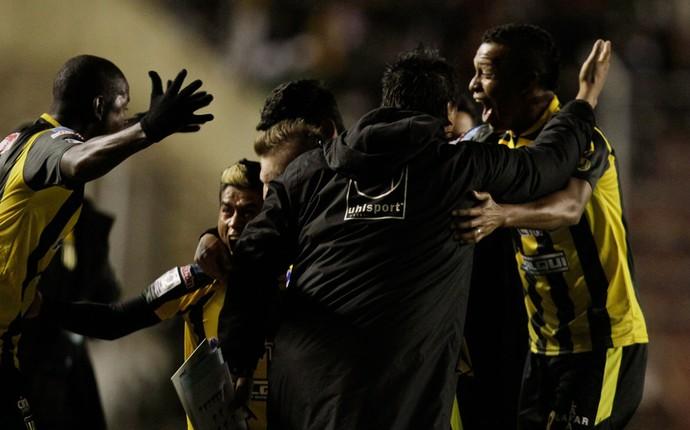 The Strongest x Atlético-PR (Foto: Reuters)
