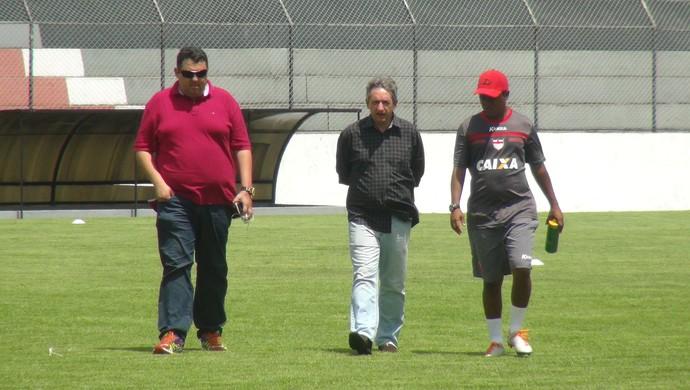 Alarcon Pacheco e Alexandre Barroso CRB (Foto: Viviane Leão/GloboEsporte.com)