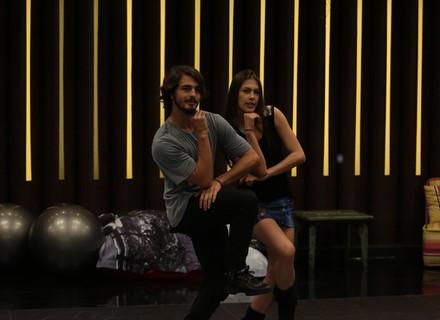 'Dança dos Famosos': Brenno Leone e Marcelinho superam cansaço e arrebentam no ensaio